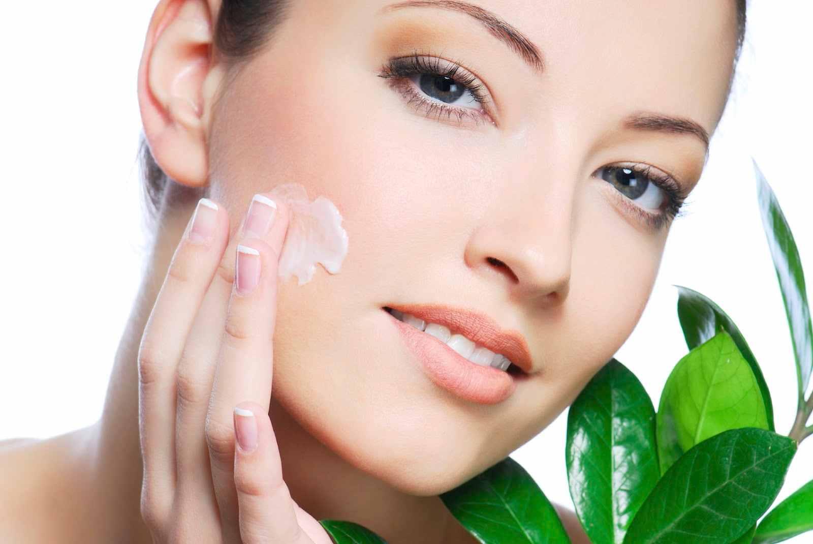 cuatro-consejos-para-evitar-el-envejecimiento-facial